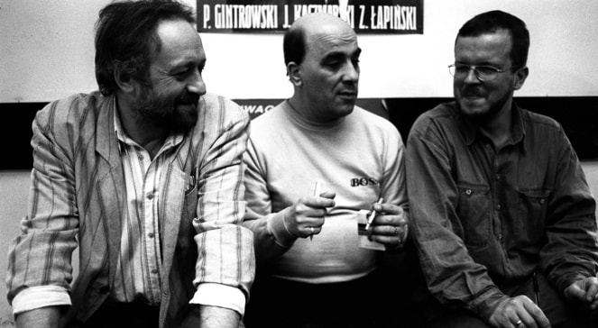"Trio: Kaczmarski, Gintrowski and Łapiński and their alternative songs which destroyed  ""the walls"" in Europe"