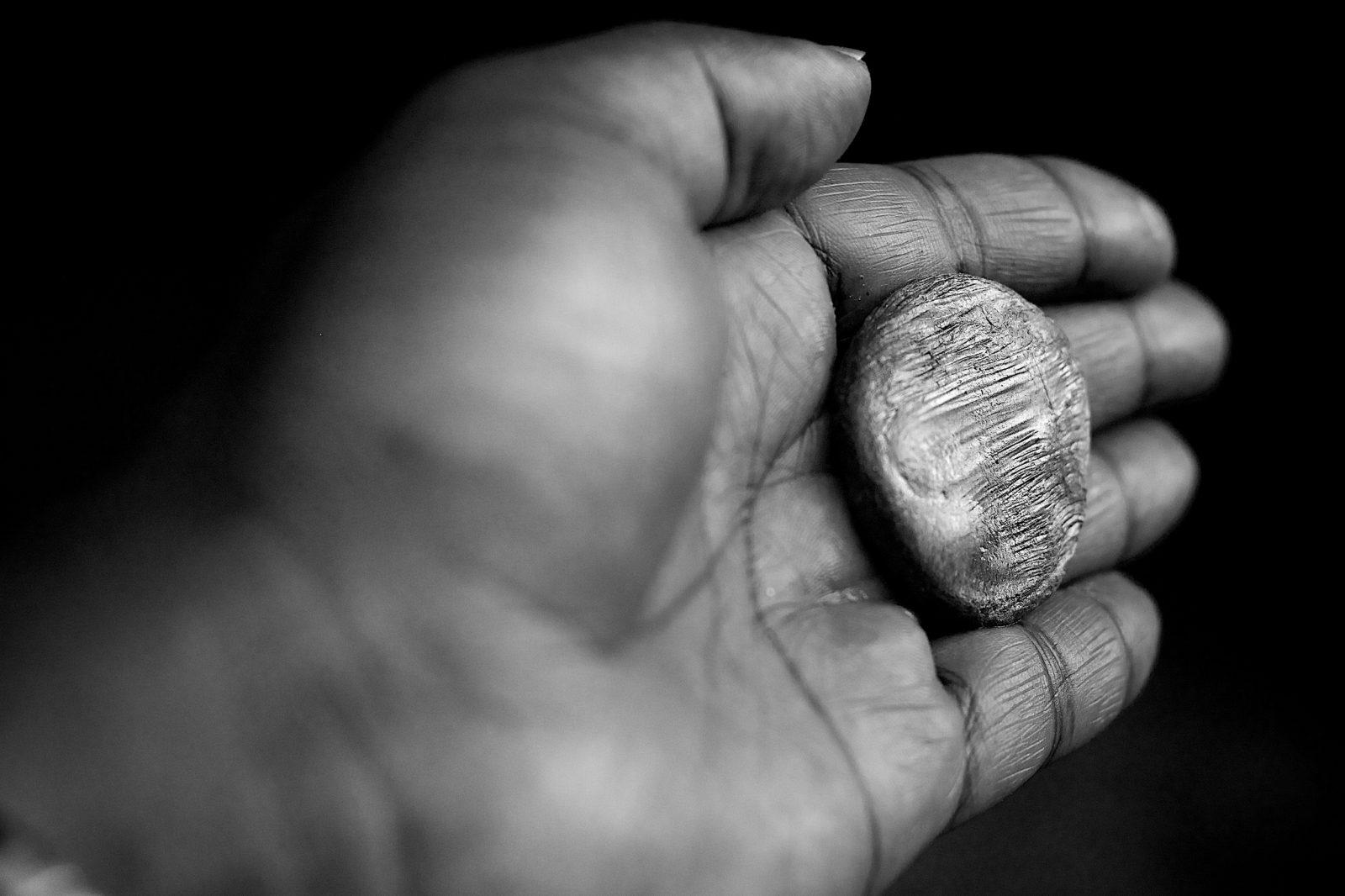 Chleb, czy może kamień w naszym ręku?