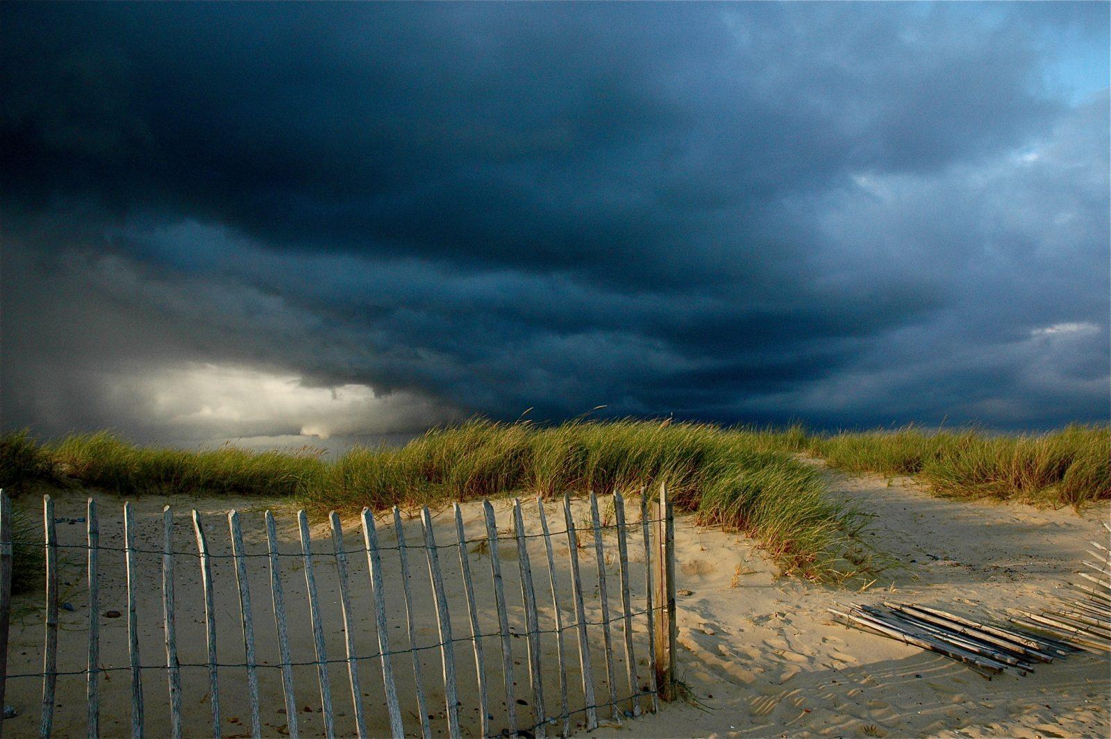 Burza, sztorm, wiatr, cisza i nasze życie…