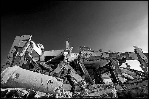 Izraelskie buldożery niszczą beduińskie wioski i szkoły